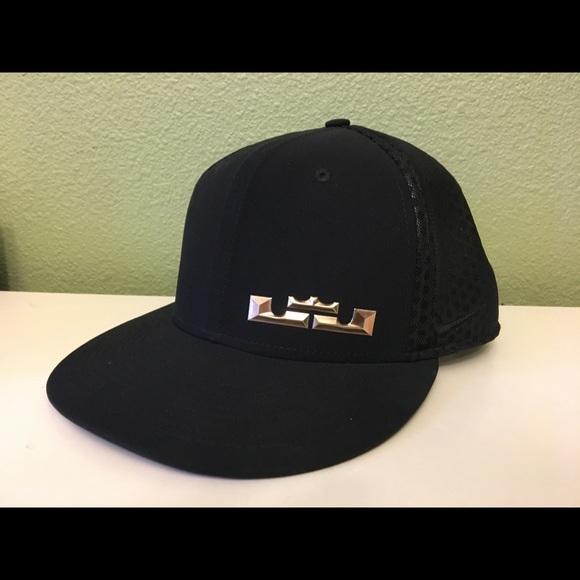 eecdff362c4a9 NWOT NIKE LEBRON JAMES (KING JAMES) black cap. M 5a8e186b00450fe3bd3e213e